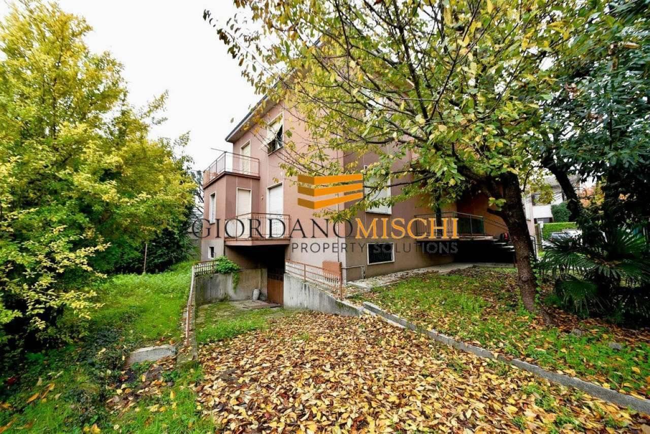 Foto 1 - Villa in Vendita - Vedano al Lambro (Monza e Brianza)