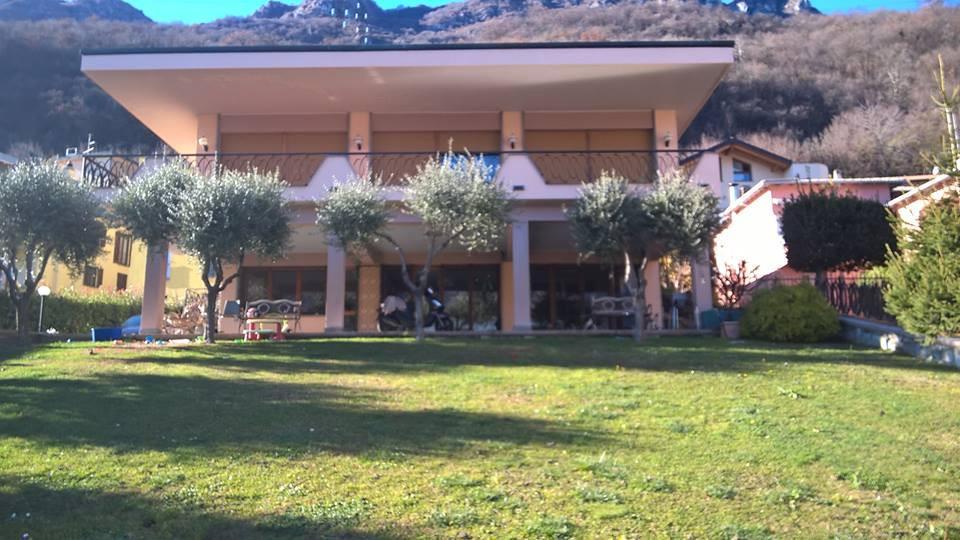 Foto 1 - Villa in Vendita - Pescate (Lecco)