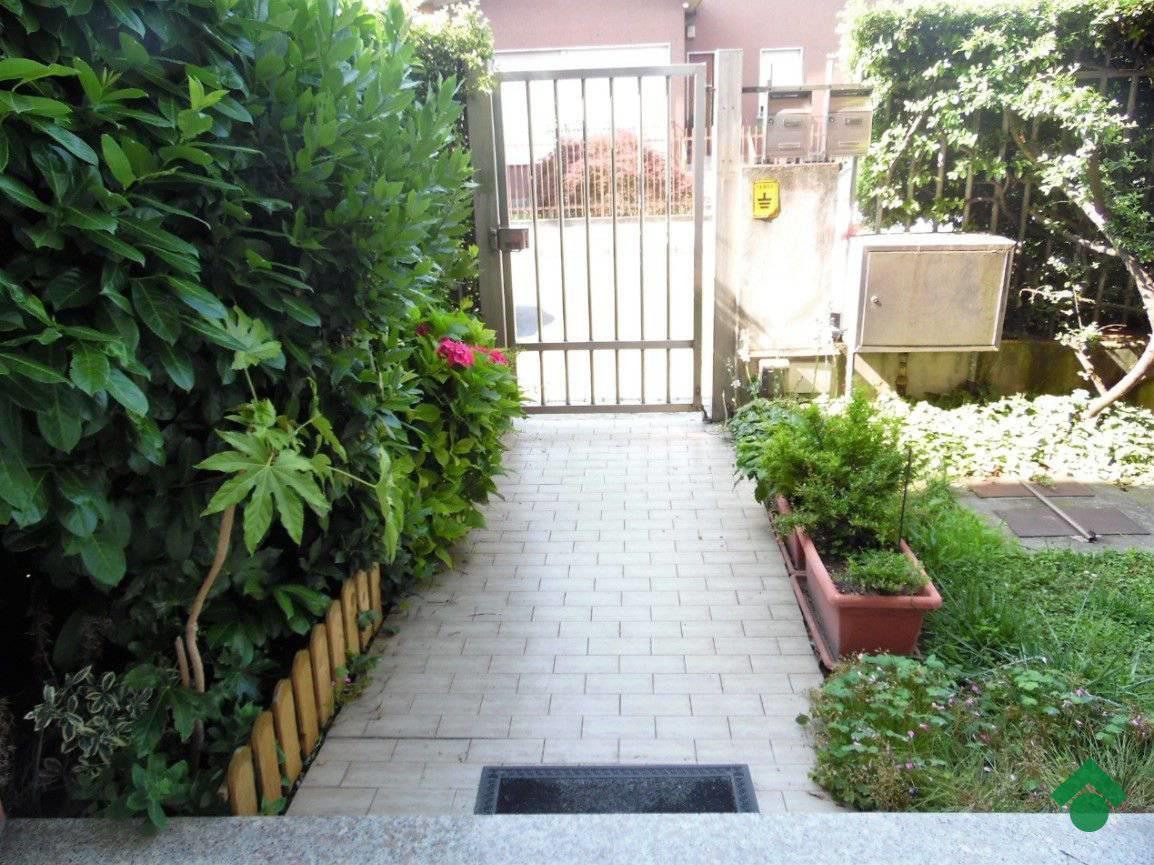 Foto 3 - Villa in Vendita - Limbiate (Monza e Brianza)