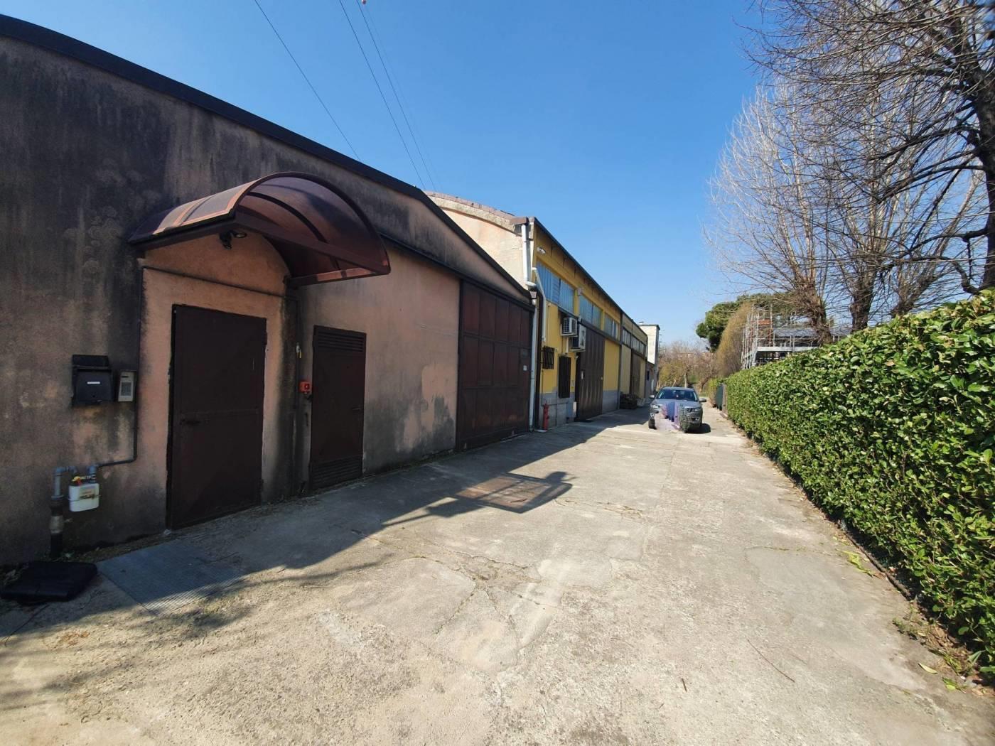 Foto 16 - Magazzino in Vendita - Monza, Zona Buonarroti