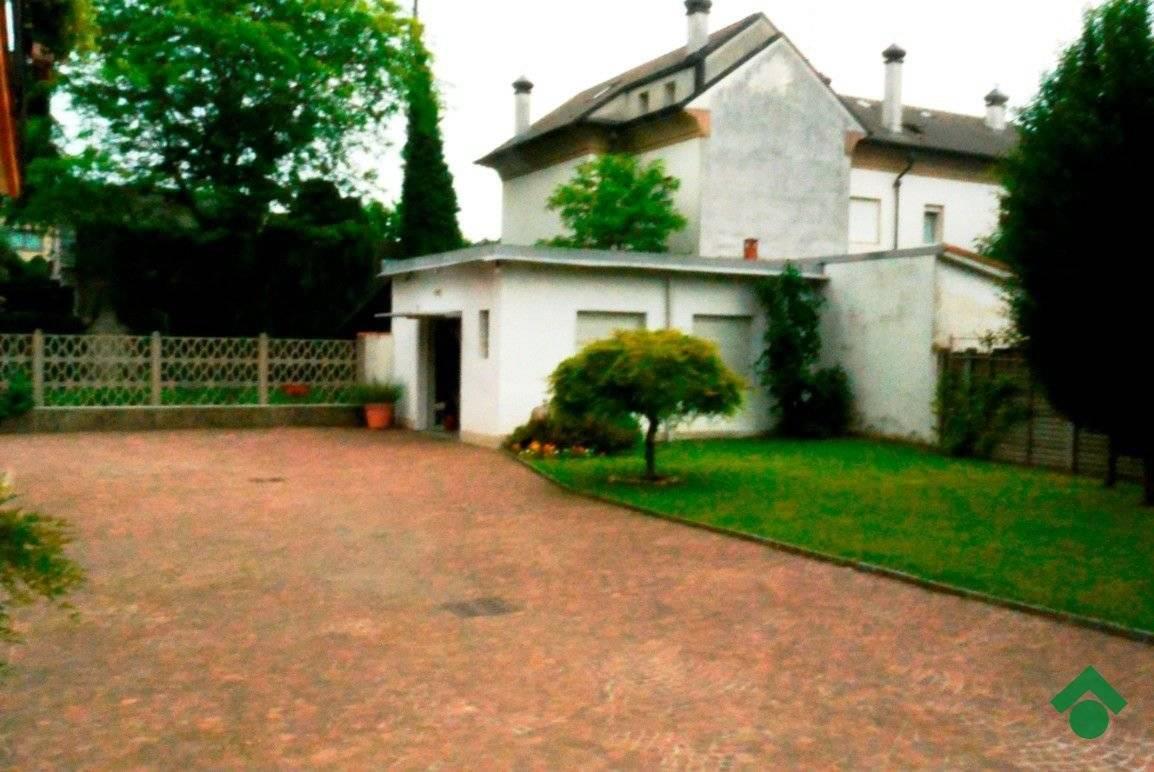 Foto 3 - Villa in Vendita - Meda (Monza e Brianza)
