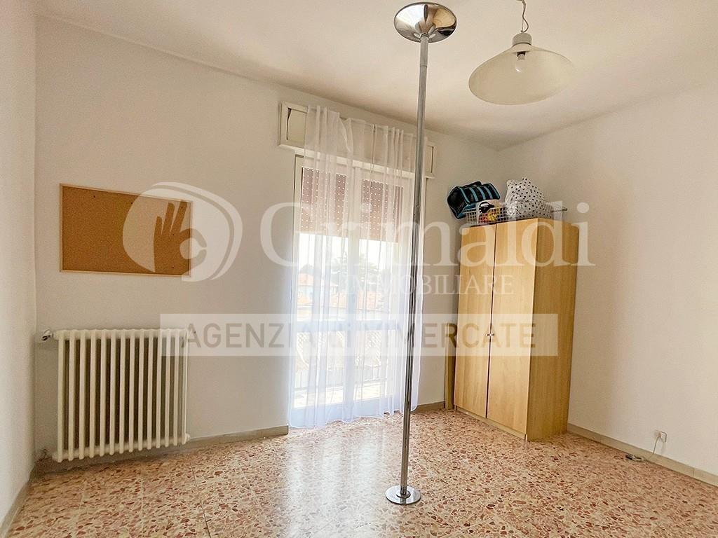 Foto 13 - Appartamento in Vendita - Usmate Velate (Monza e Brianza)