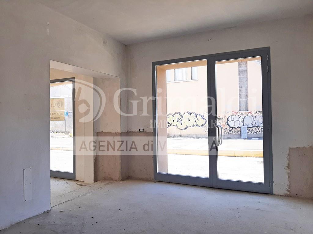 Foto 9 - Negozio in Vendita - Vimercate (Monza e Brianza)