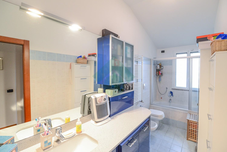 Foto 20 - Appartamento in Vendita - Verano Brianza (Monza e Brianza)
