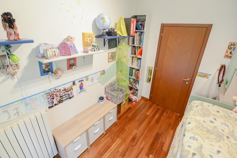 Foto 15 - Appartamento in Vendita - Verano Brianza (Monza e Brianza)