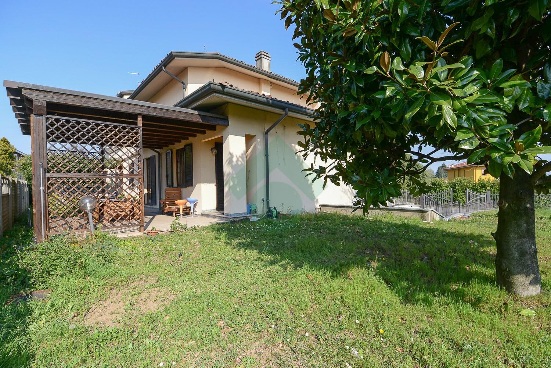 Foto 10 - Villa in Vendita - Verano Brianza (Monza e Brianza)