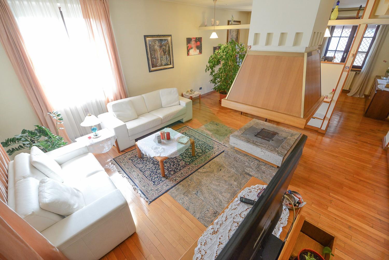 Foto 3 - Villa in Vendita - Verano Brianza (Monza e Brianza)