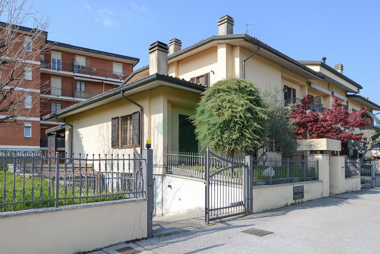 Foto 1 - Villa in Vendita - Verano Brianza (Monza e Brianza)