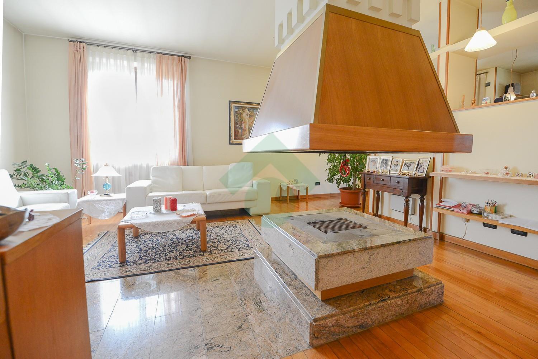 Foto 4 - Villa in Vendita - Verano Brianza (Monza e Brianza)