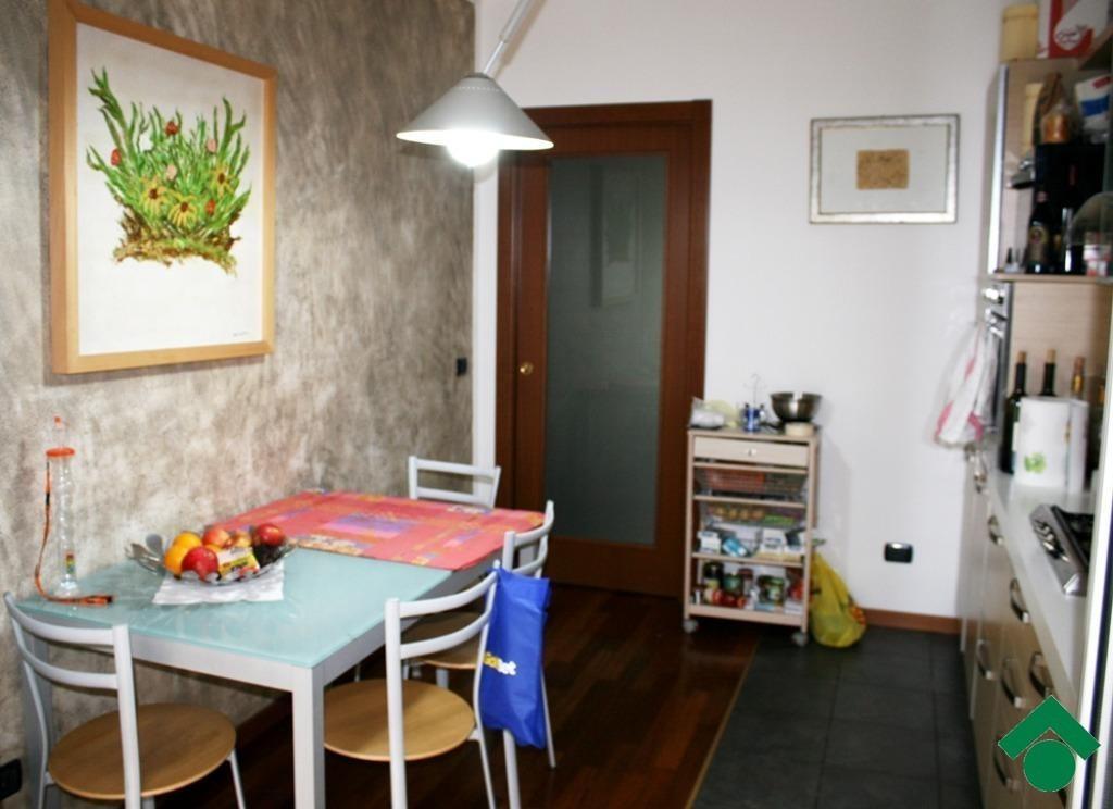 Foto 8 - Appartamento in Vendita - Verano Brianza (Monza e Brianza)