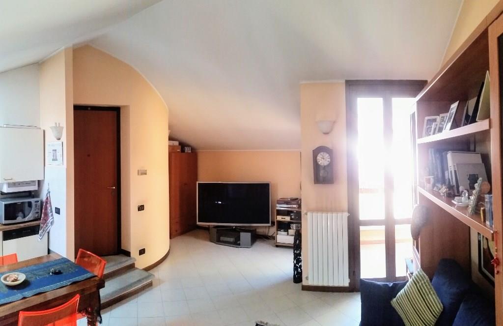 Foto 2 - Mansarda in Vendita - Mariano Comense (Como)