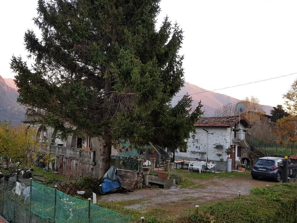 Foto 2 - Villa in Vendita - Asso (Como)